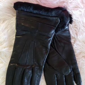 Accessories - BLACK WITH FAUX FUR GLOVES